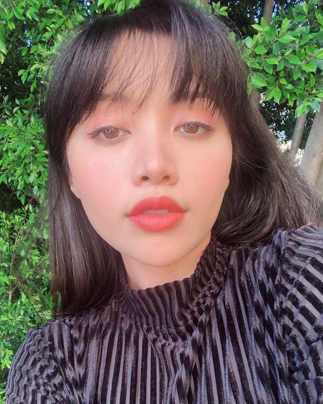 2 bí kíp makeup đơn giản nhưng max xinh của Michelle Phan: một kiểu sang chảnh, một kiểu hack tuổi cực hiệu quả - Ảnh 7
