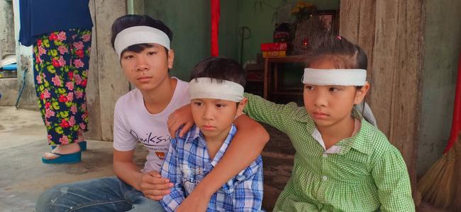 Mẹ bỏ đi biệt tích, hai đứa trẻ ngã quỵ trước linh cữu người cha vừa qua đời vì tai nạn giao thông - Ảnh 3