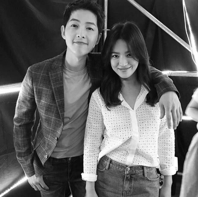 Rộ tin đồn cặp đôi Song Hye Kyo – Song Joong Ki ly hôn vì người thứ ba - Ảnh 2