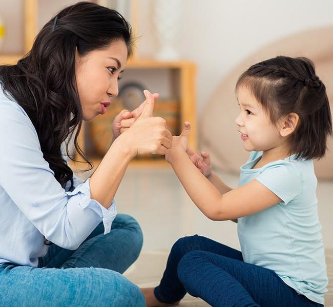 Muốn con mai sau luôn là người tự tin và quyết đoán, cha mẹ nhất định không thể bỏ qua 6 cách này - Ảnh 1