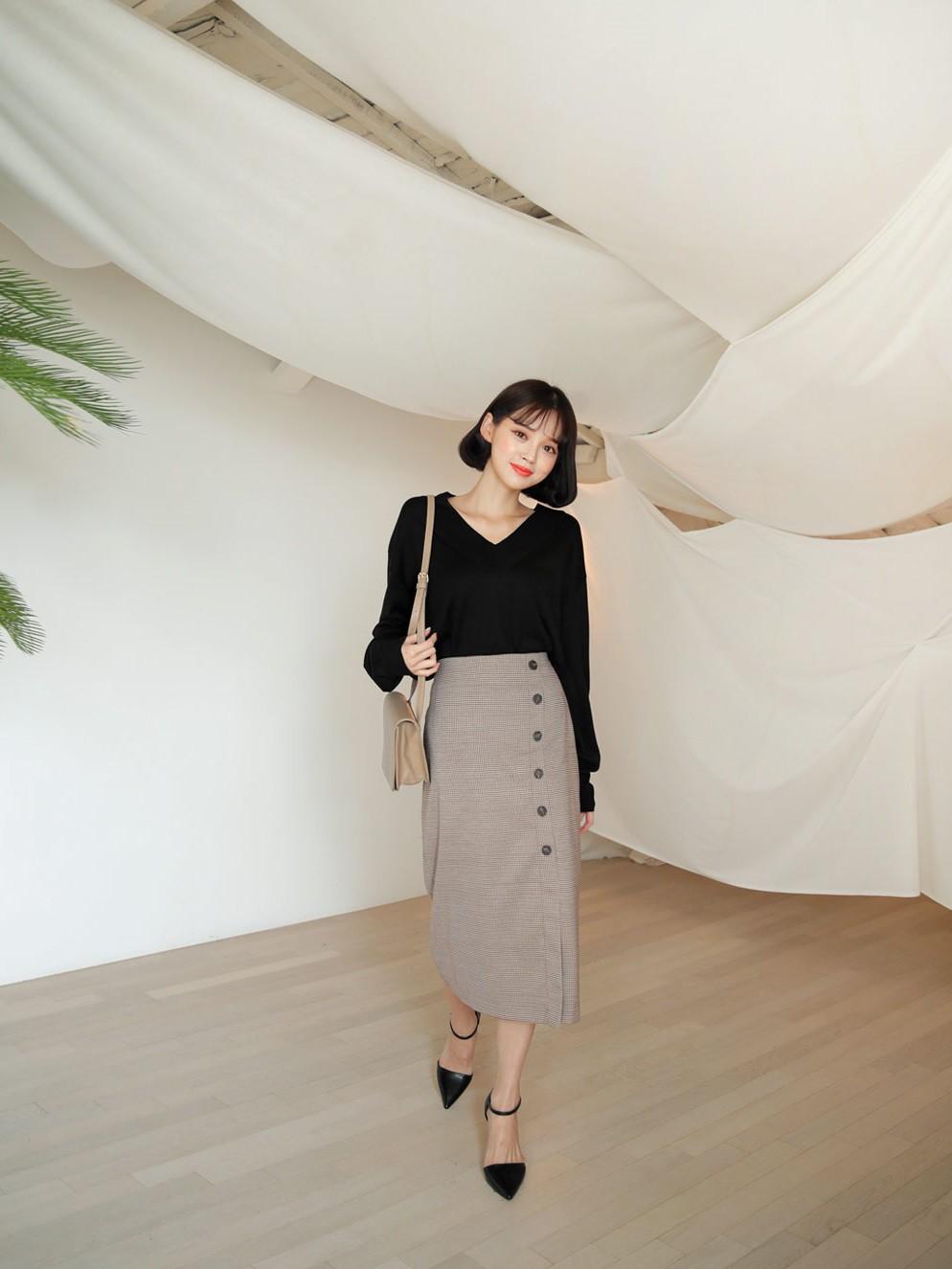 Quên quần áo dày dặn mùa lạnh đi, nàng công sở cứ sắm 5 items này là đủ mặc đẹp từ Xuân sang Hè - Ảnh 9