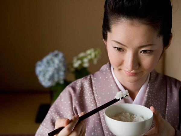 Bí quyết hàng trăm năm khiến phụ nữ Nhật sống lâu nhất thế giới và không bị béo phì - Ảnh 4