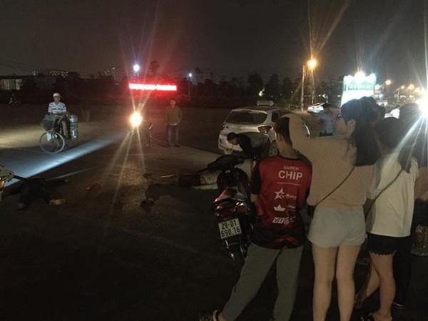 Hà Nội: Chứng kiến tai nạn giao thông, người dân cuống cuồng gọi cứu hỏa đến hiện trường và câu chuyện ấm áp tình người sau đó - Ảnh 1