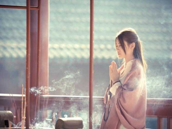 Phật dạy: Im lặng là vàng, nhẫn nhịn là bạc, giúp người là đức, chịu thiệt là phú - Ảnh 2