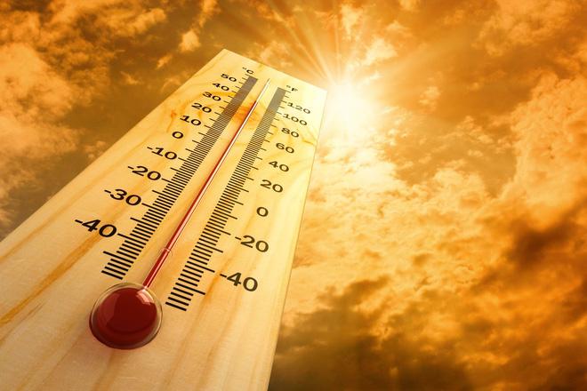Sài Gòn nắng nóng lên tới 35 - 36 độ C: Cẩn thận với 6 triệu chứng sốc nhiệt do đi dưới trời nắng quá lâu - Ảnh 4