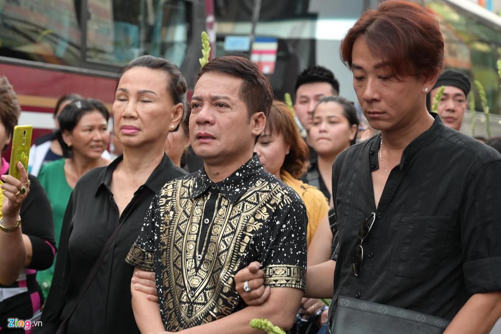 Phương Thanh, Minh Nhí rơi nước mắt giây phút tiễn đưa Anh Vũ - Ảnh 10