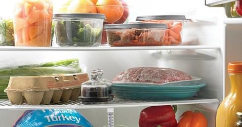 Các cách làm sạch tủ lạnh đơn giản, đánh bay mùi hôi khó chịu - Ảnh 1