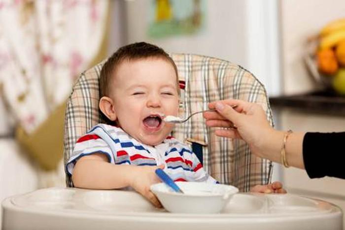 4 sai lầm cho trẻ ăn dặm 99% bà mẹ Việt mắc phải khiến con béo phì vẫn suy dinh dưỡng còi xương - Ảnh 2