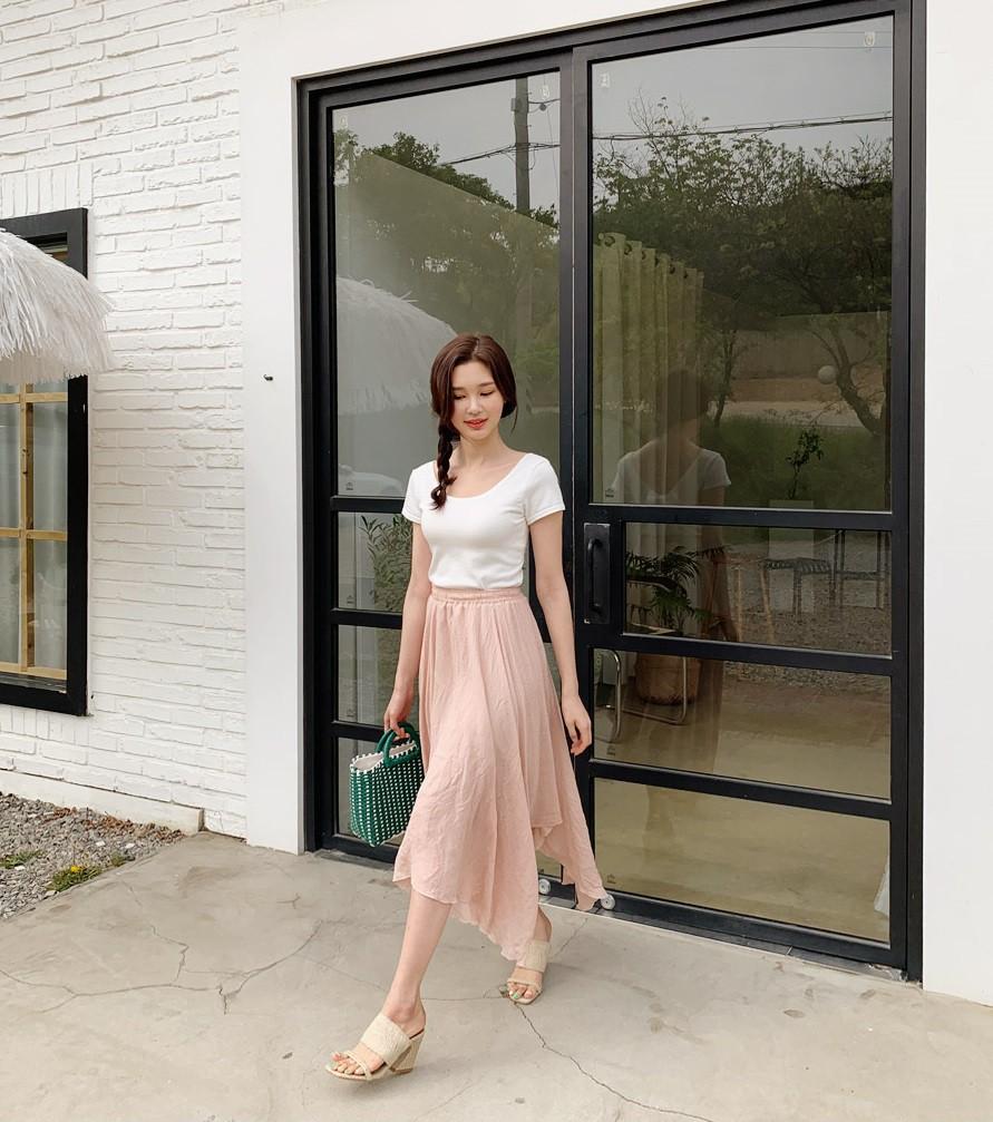 Các mẫu váy phát huy tác dụng 'kéo dài chân' vô cùng tiện lợi cho các nàng 'nấm lùn' - Ảnh 10
