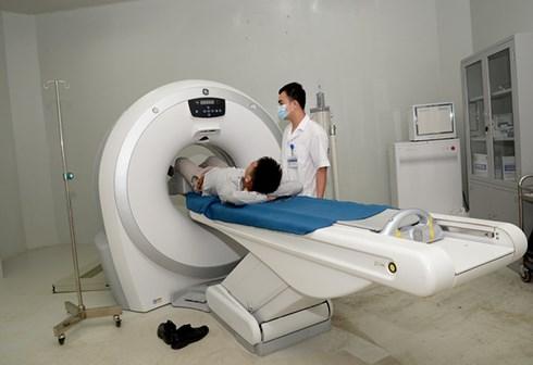 Tầm soát bệnh bằng CT scan trên người khỏe: Chỉ lợi ích cho... các bệnh viện! - Ảnh 1