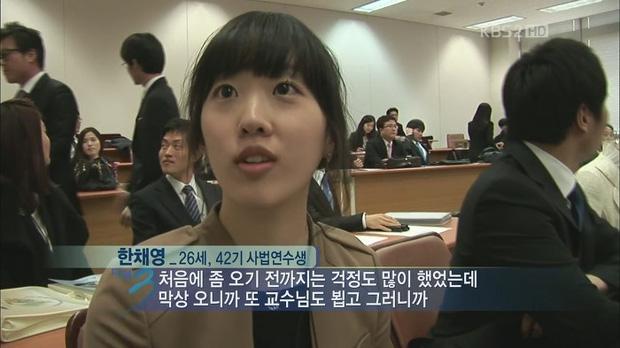 Báo Trung tung ảnh bạn gái luật sư tin đồn của Song Joong Ki: Đúng chuẩn nữ thần ngành luật từng lên sóng KBS! - Ảnh 4