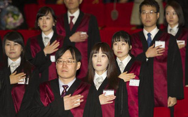 Báo Trung tung ảnh bạn gái luật sư tin đồn của Song Joong Ki: Đúng chuẩn nữ thần ngành luật từng lên sóng KBS! - Ảnh 5