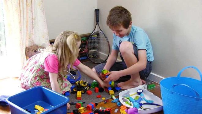 Bố mẹ làm gương 5 việc này, con cái sẽ trở thành người sống trách nhiệm và có ích: Bạn làm được bao nhiêu việc? - Ảnh 1