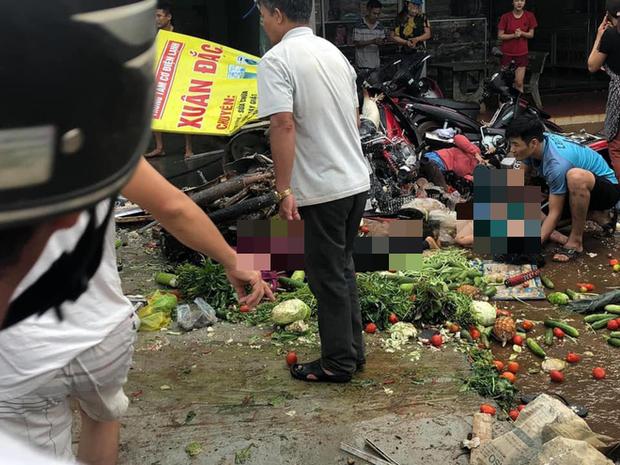 NÓNG: Kinh hoàng xe tải lao thẳng vào chợ, 5 người chết, nhiều người bị thương nằm la liệt - Ảnh 2