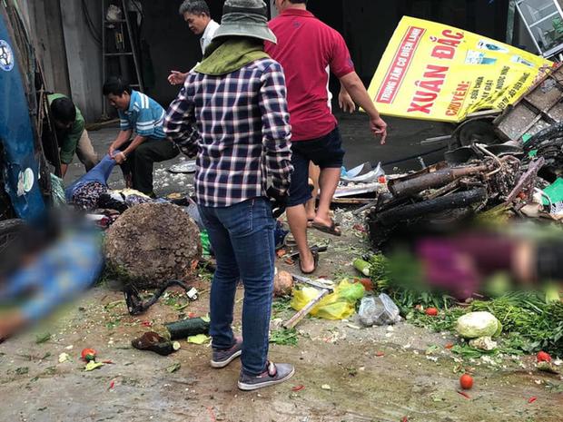 NÓNG: Kinh hoàng xe tải lao thẳng vào chợ, 5 người chết, nhiều người bị thương nằm la liệt - Ảnh 3