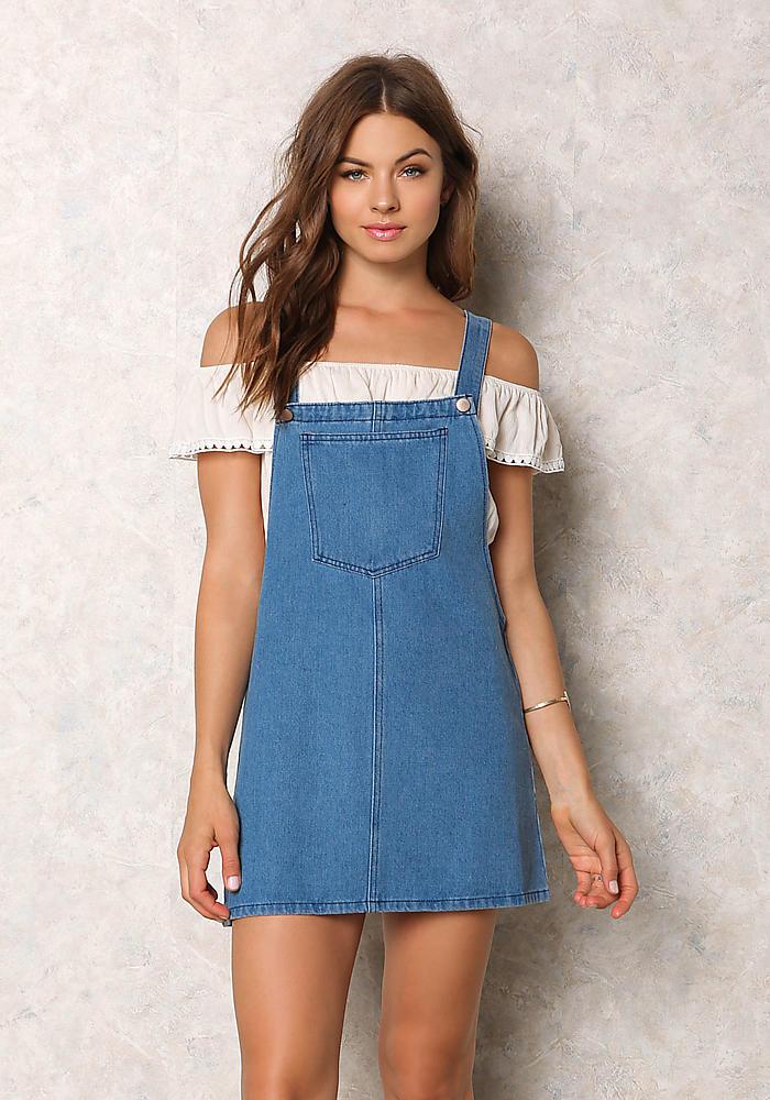 """Những mẫu đầm jean suông đang khiến tín đồ thời trang thế giới phải """"điên đảo"""" - Ảnh 5"""