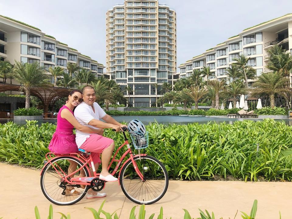 'Tan chảy' với khoảnh khắc Thúy Hạnh ôm eo Minh Khang trên xe đạp ôn lại tình yêu thuở cơ hàn - Ảnh 3