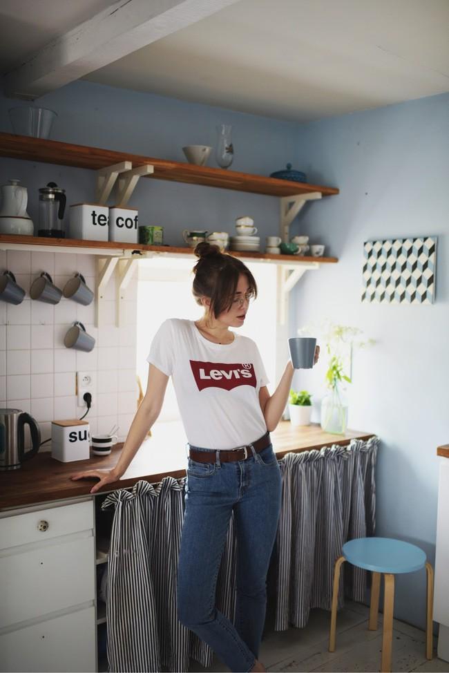 Thích áo phông, mặc nhiều là thế nhưng bạn có biết cách giữ cho chiếc áo của mình bền đẹp như mới - Ảnh 2