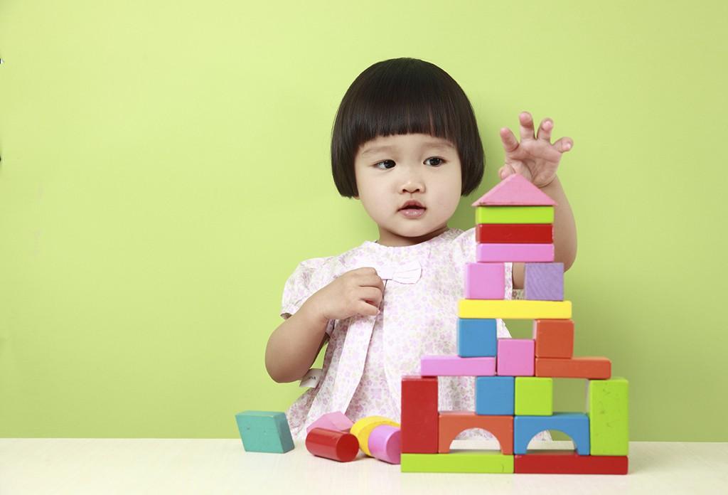 7 dấu hiệu sớm của trẻ thông minh bố mẹ có thể phát hiện trước khi con 5 tuổi - Ảnh 2