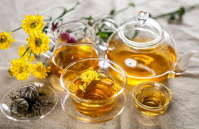 Trà hoa cúc giảm kích thích dạ dày hiệu quả