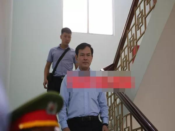 Tiếp tục xử kín nguyên Phó Viện trưởng VKSND TP Đà Nẵng Nguyễn Hữu Linh - Ảnh 1