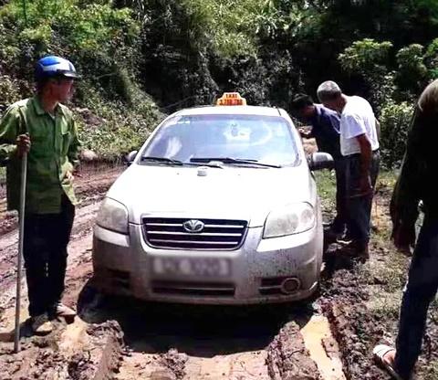 Vụ sát hại lái xe taxi: Lời kể của người đưa nghi phạm qua sông - Ảnh 4
