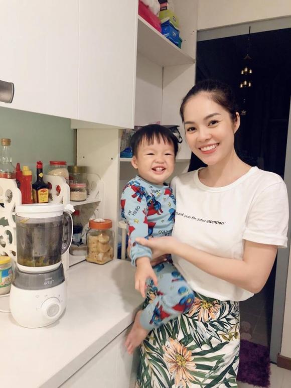 Cuộc sống giàu sang ngôn tình của Dương Cẩm Lynh trước khi chia tay người chồng từng chi 3 triệu mỗi ngày mua hoa tặng vợ - Ảnh 25