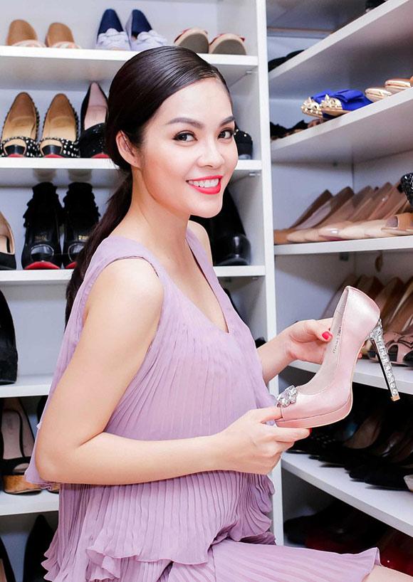 Cuộc sống giàu sang ngôn tình của Dương Cẩm Lynh trước khi chia tay người chồng từng chi 3 triệu mỗi ngày mua hoa tặng vợ - Ảnh 14