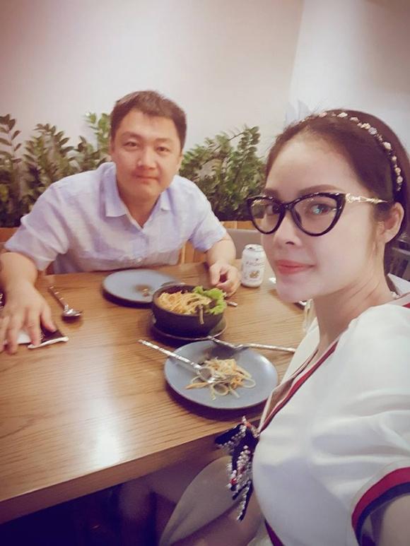 Cuộc sống giàu sang ngôn tình của Dương Cẩm Lynh trước khi chia tay người chồng từng chi 3 triệu mỗi ngày mua hoa tặng vợ - Ảnh 21