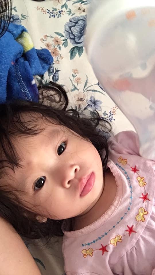 1001 biểu cảm 'thẫn thờ' lẫn ngơ ngác của các bé khi mới ngủ dậy khiến cha mẹ chẳng thể nhịn cười - Ảnh 7