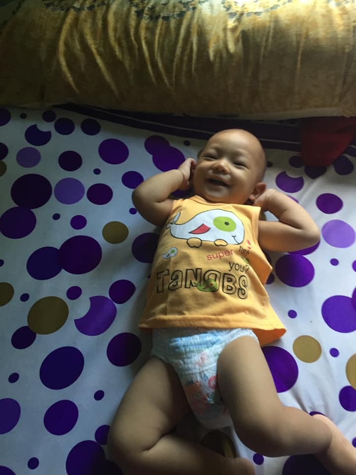 1001 biểu cảm 'thẫn thờ' lẫn ngơ ngác của các bé khi mới ngủ dậy khiến cha mẹ chẳng thể nhịn cười - Ảnh 8