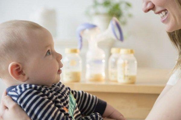 6 sai lầm trong cách cai sữa cho bé mà người mẹ cần tránh - Ảnh 2