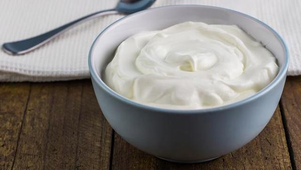 Cách rửa mặt bằng sữa chua giúp da trắng sáng, mịn màng - Ảnh 1