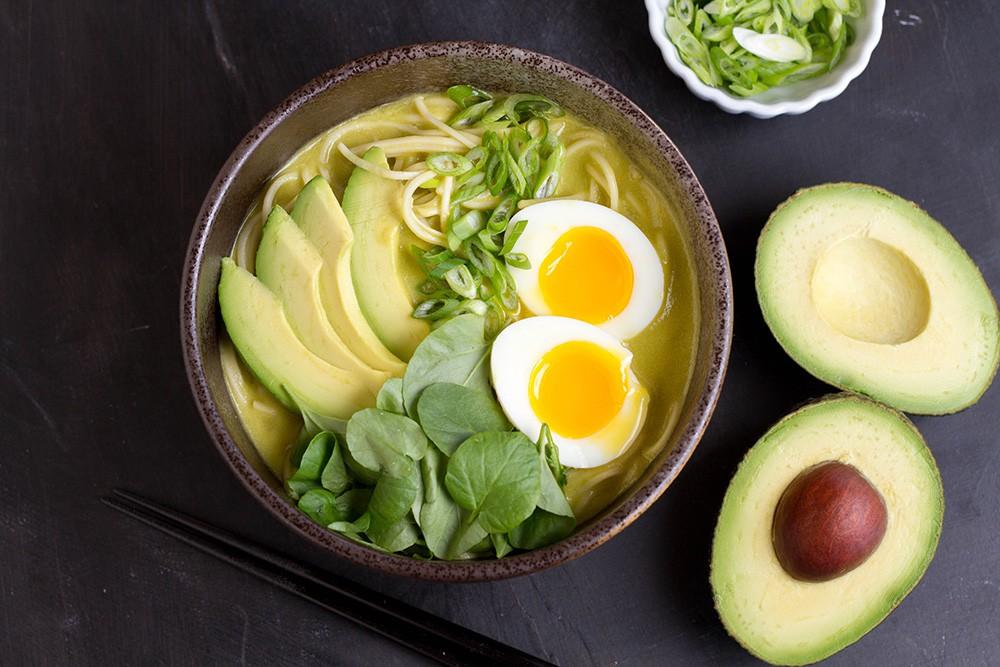 Da bong tróc mùa hanh khô: Bổ sung ngay những thực phẩm này vào chế độ dinh dưỡng để cấp ẩm tức thì - Ảnh 2
