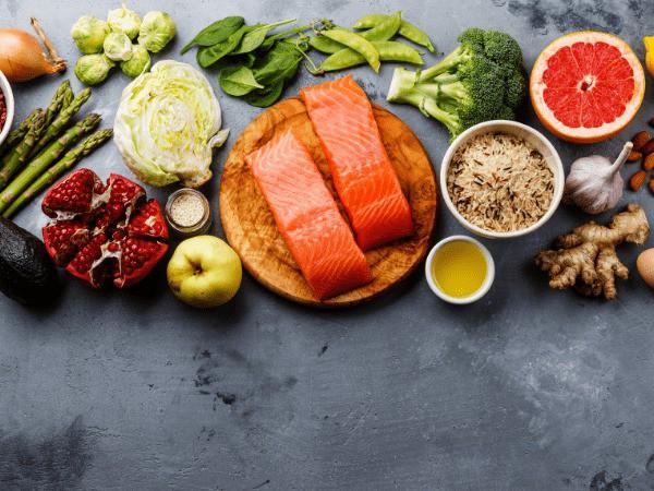 Giảm nồng độ cholesterol trong cơ thể không khó nếu bạn biết áp dụng những chế độ ăn này - Ảnh 2
