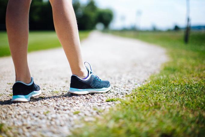 Cách đi bộ này là dấu hiệu của căn bệnh gây chết người - Ảnh 1