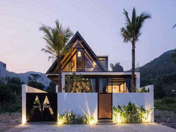 Ngỡ ngàng trước vẻ đẹp ngôi nhà dưới chân núi Sơn Trà - Ảnh 1