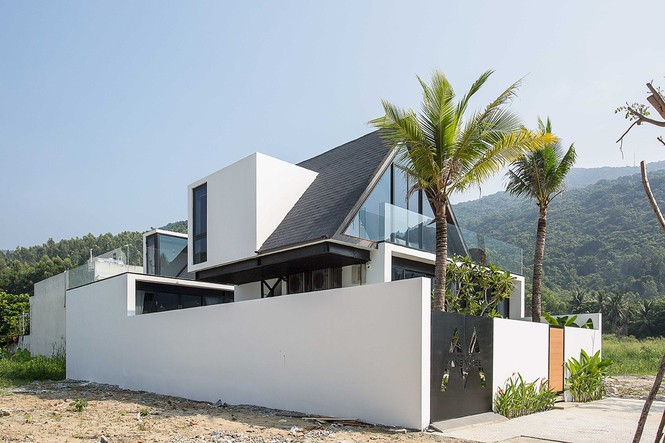 Ngỡ ngàng trước vẻ đẹp ngôi nhà dưới chân núi Sơn Trà - Ảnh 2