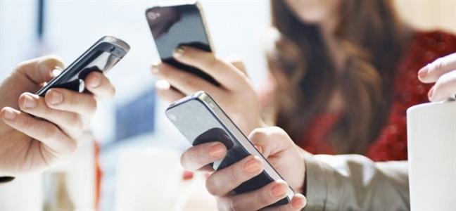 Ánh sáng xanh từ điện thoại ảnh hưởng đến sắc đẹp như nào? - Ảnh 3