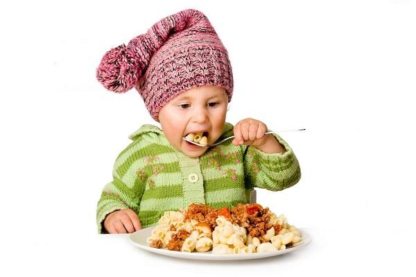 5 nguyên tắc trong ăn uống giúp trẻ khỏe mạnh, mau lớn, ít ốm vặt - Ảnh 1
