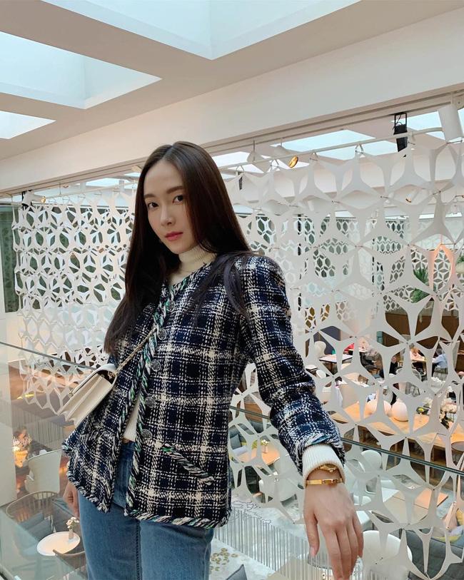 Áo khoác vải tweed: Món đồ tiêu biểu và cực đáng sắm cho tủ đồ Đông năm nay - Ảnh 14