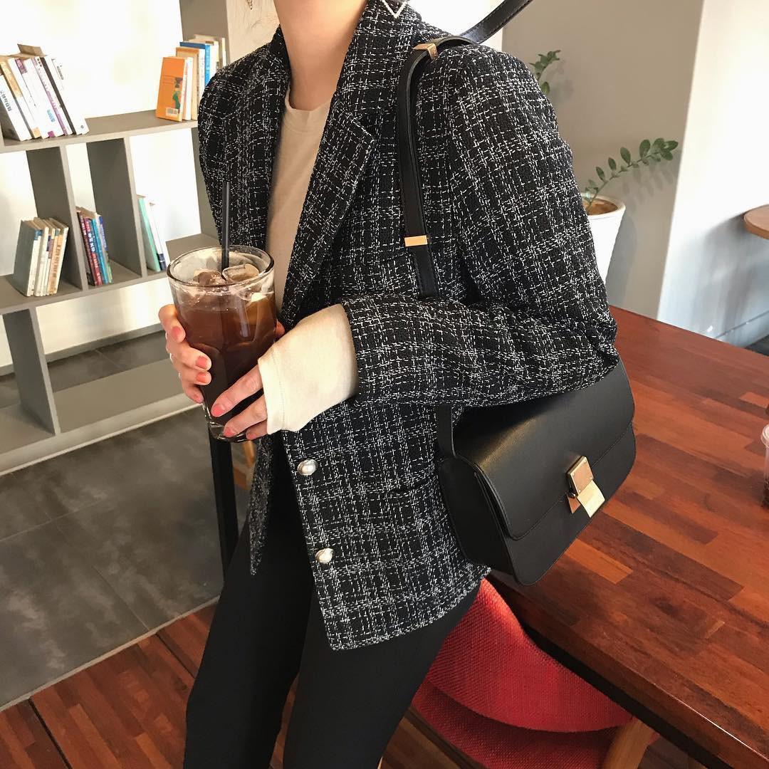 Áo khoác vải tweed: Món đồ tiêu biểu và cực đáng sắm cho tủ đồ Đông năm nay - Ảnh 7
