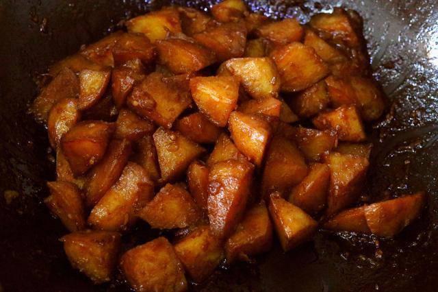 Có lon coca uống dở, tôi đổ vào khoai tây, ai ngờ thành món ngon không tưởng - Ảnh 4