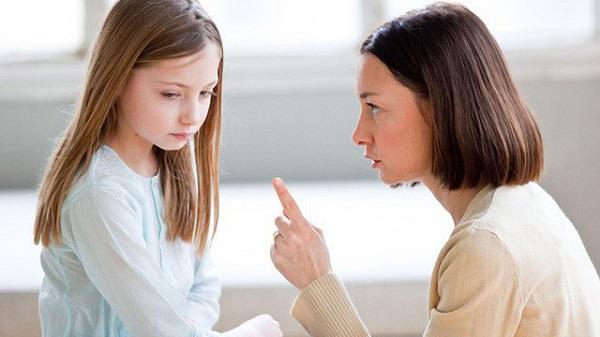 Chuyên gia chỉ cách dạy trẻ ngoan không cần quát mắng, đánh đập - Ảnh 1