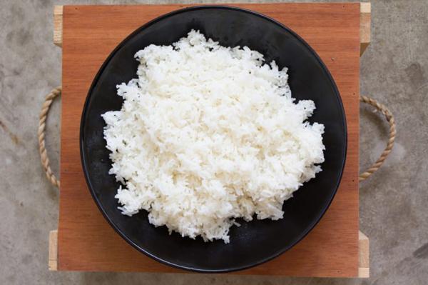 8 thực phẩm gây nguy hiểm, ngộ độc nếu đưa vào lò vi sóng - Ảnh 2