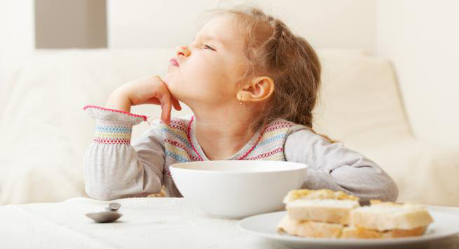 Nếu thấy con có những thói quen này cha mẹ hãy chỉnh đốn ngay vì đó chính là nguyên nhân khiến trẻ chậm phát triển - Ảnh 1