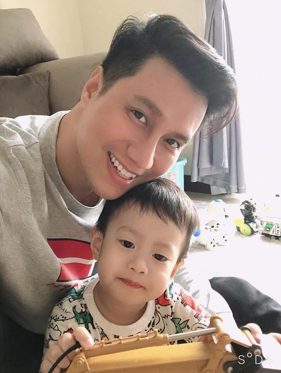Khoe con trai lớn phổng phao, Việt Anh tiết lộ đã đưa cậu bé về sống cùng được một thời gian - Ảnh 3