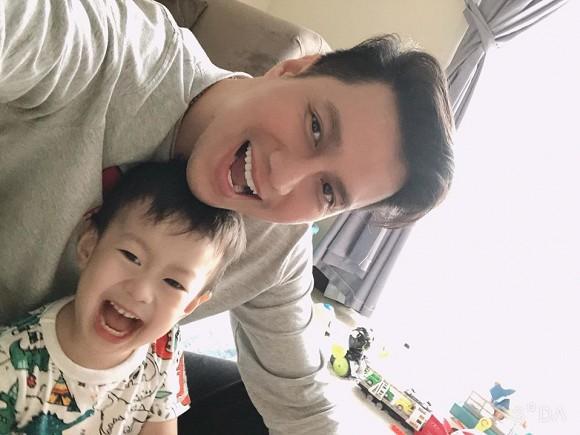 Khoe con trai lớn phổng phao, Việt Anh tiết lộ đã đưa cậu bé về sống cùng được một thời gian - Ảnh 4