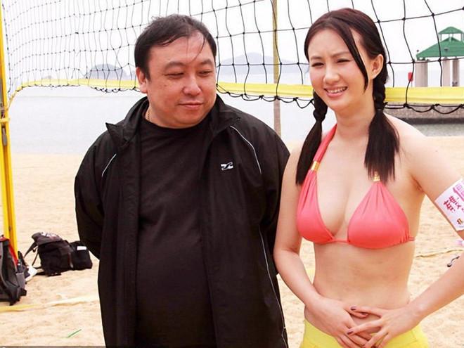 Con gái lên tiếng về ảnh Vương Tinh qua đêm với mỹ nhân kém 40 tuổi - Ảnh 3