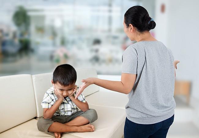 Gợi ý cho mẹ 4 tuyệt chiêu siêu hiệu quả giúp trị ngay thói hay ăn vạ, hờn dỗi của con ở nơi công cộng - Ảnh 6